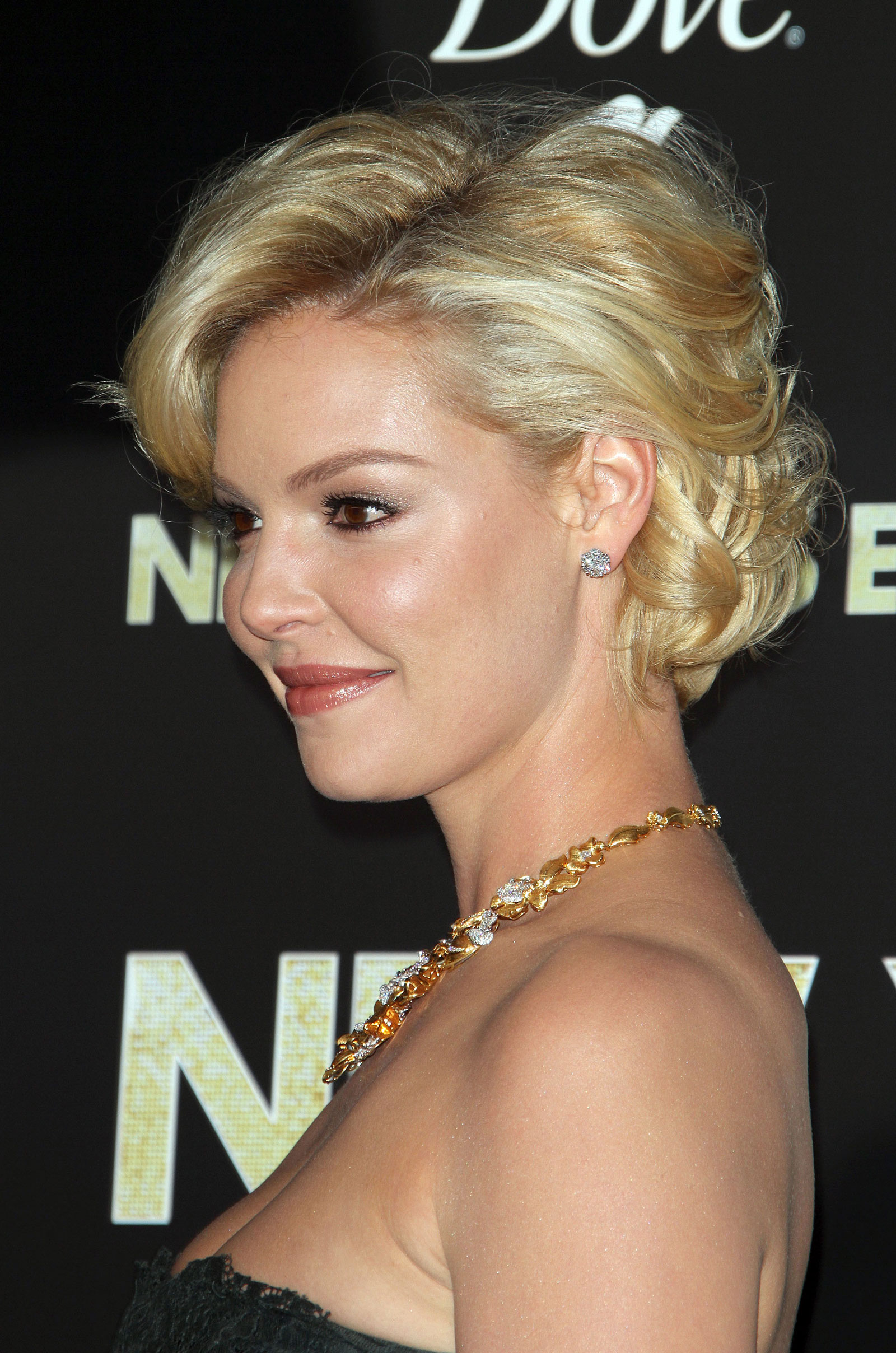 Katherine Heigl at New Year's Eve Premiere in Los Amgeles – HawtCelebs