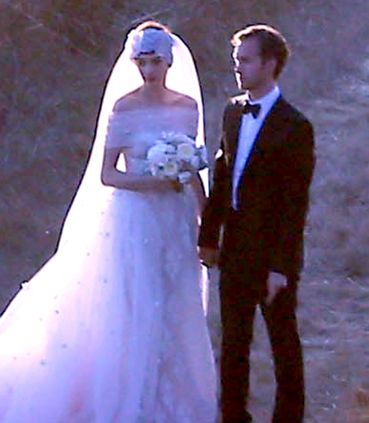 ANNE HATHAWAY and Adam Shulman Get Married at a Private Residence in Big Sur California