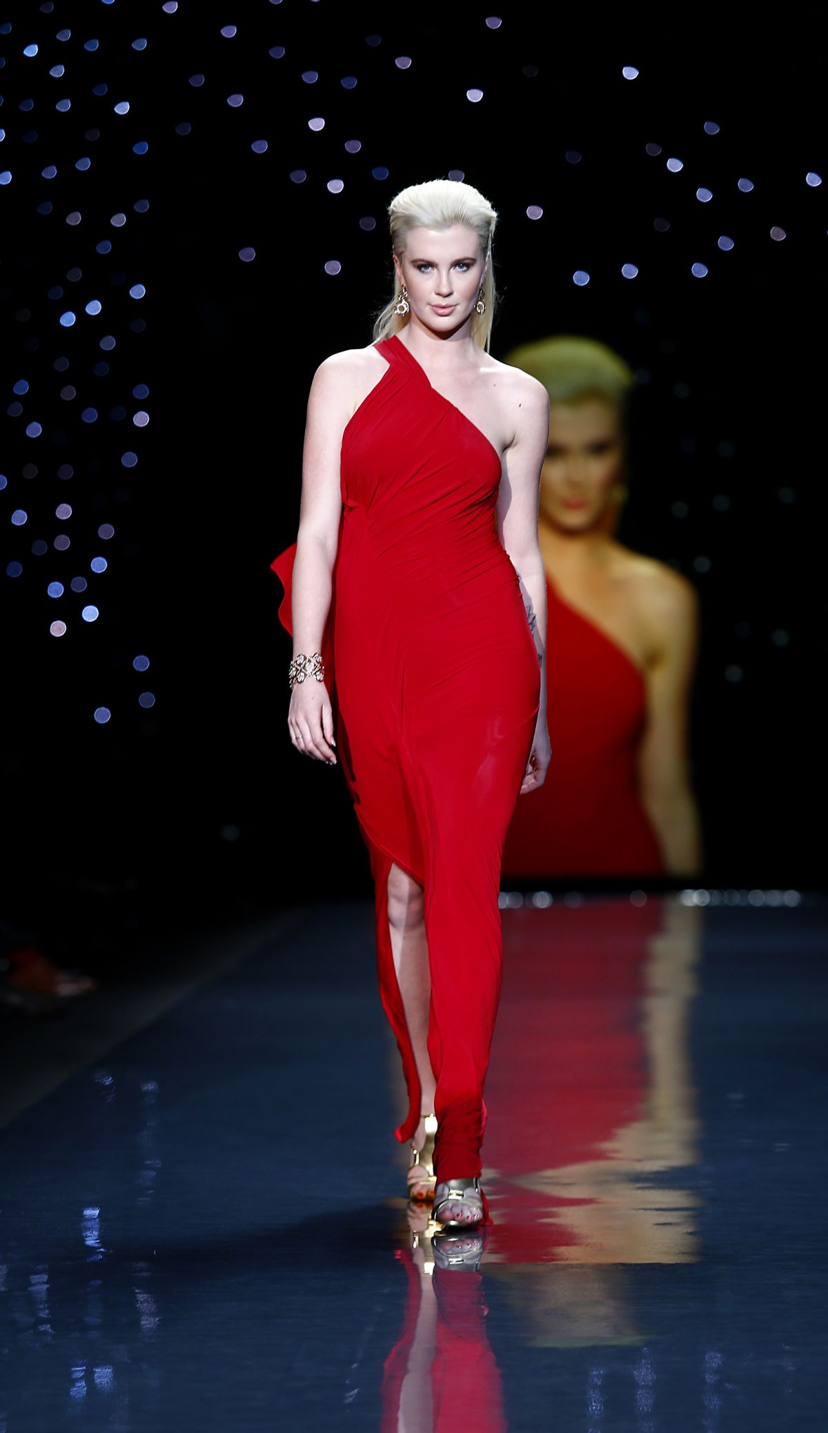 Ireland Baldwin At Go Red For Women The Heart Truth