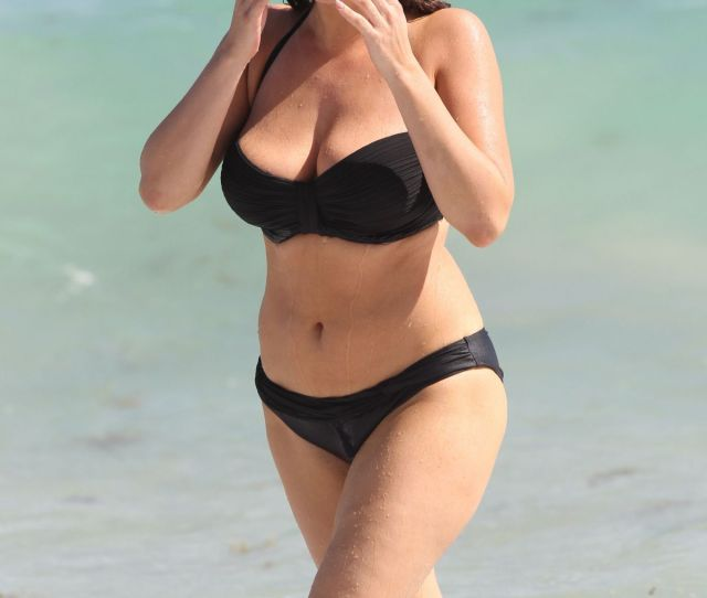 Kelly Brook In Bikinis At A Photoshoot On The Beach In Miami