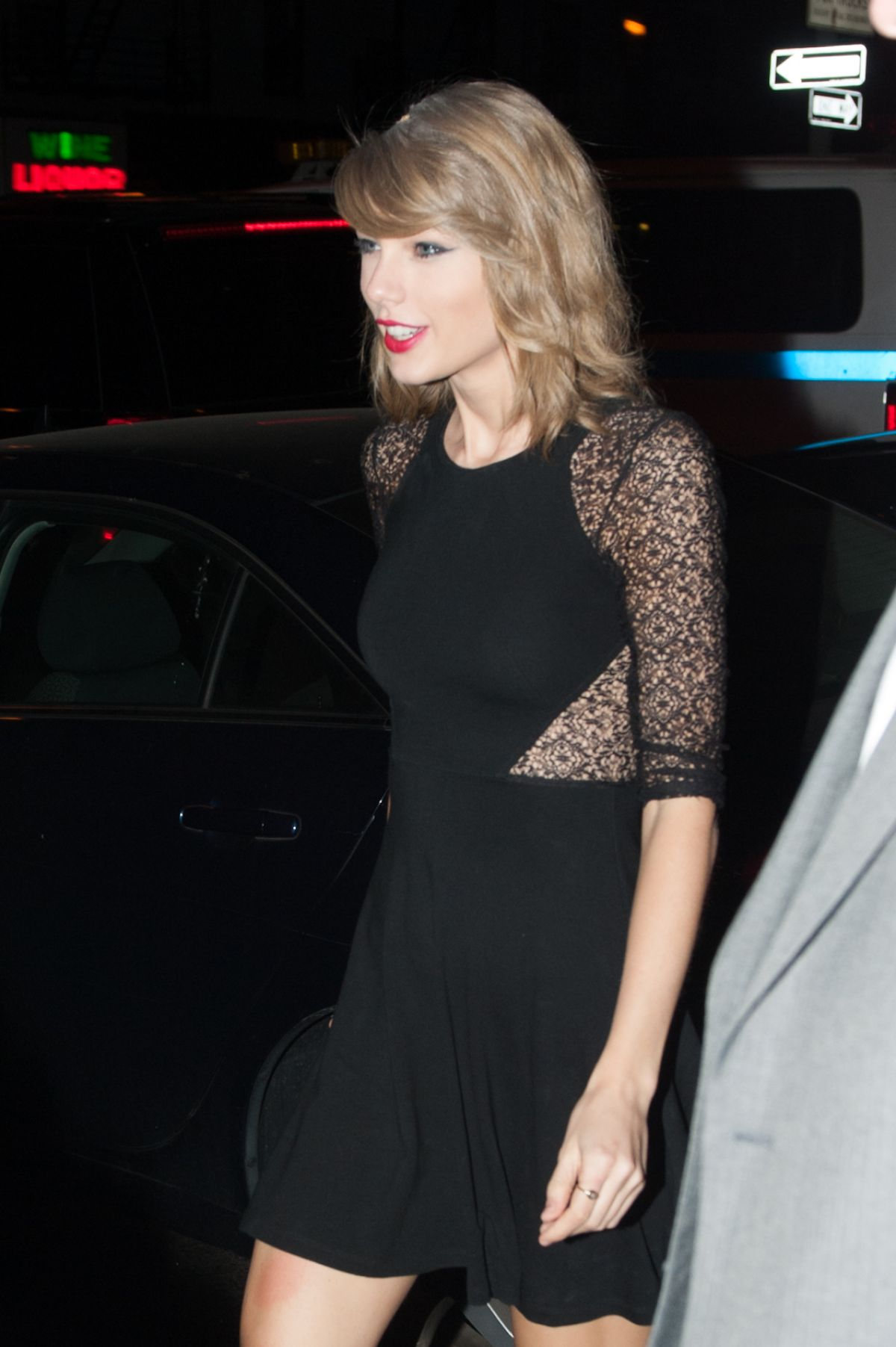 TAYLOR SWIFT Arrives At Saturday Night Live Studios HawtCelebs