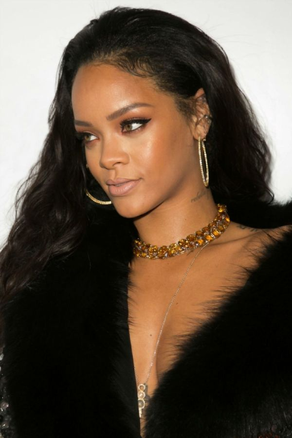 Rihanna Daily Front Row Fashion Los Angeles Awards Show - Hawtcelebs