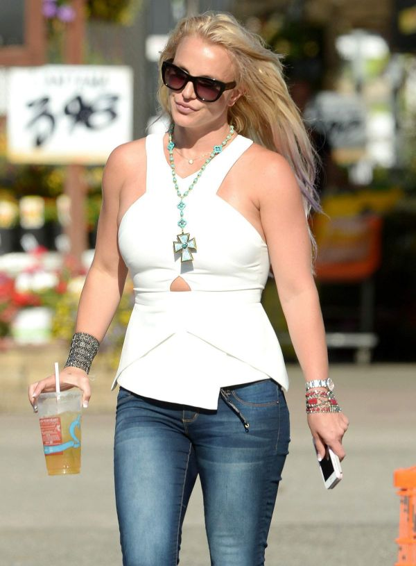 Britney Spears And In Westlake Village 07 29 2015 - Hawtcelebs