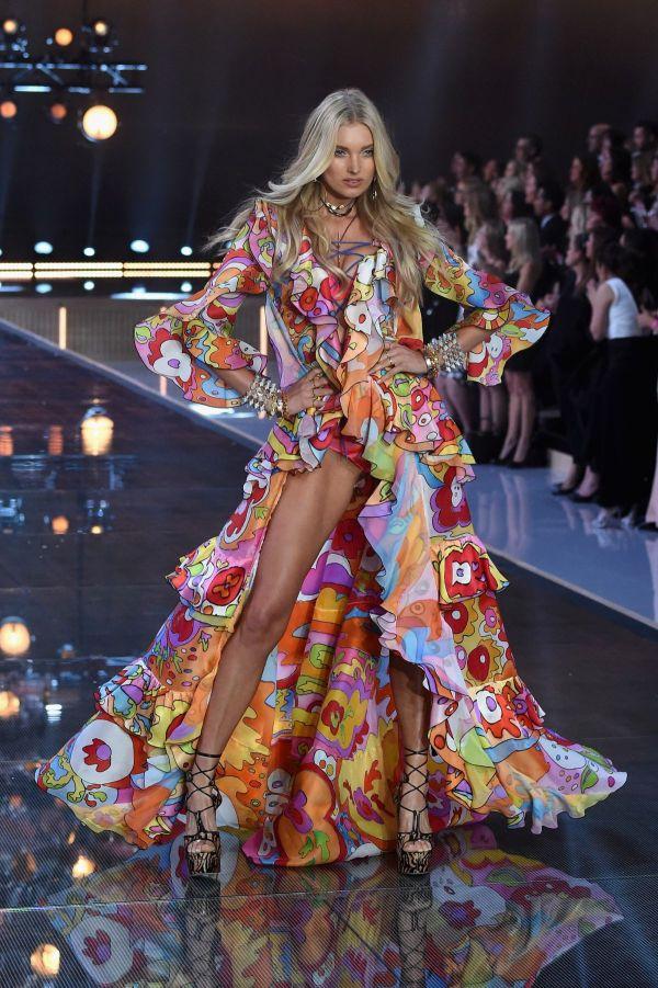 Elsa Hosk Victoria Secret 2015 Fashion Show In