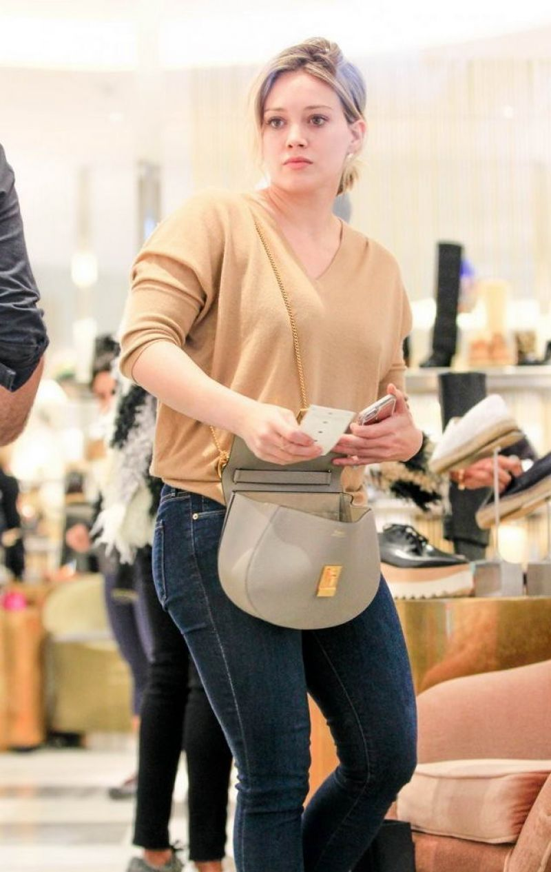HILARY DUFF Shopping In Beverly Hills 09012016 HawtCelebs