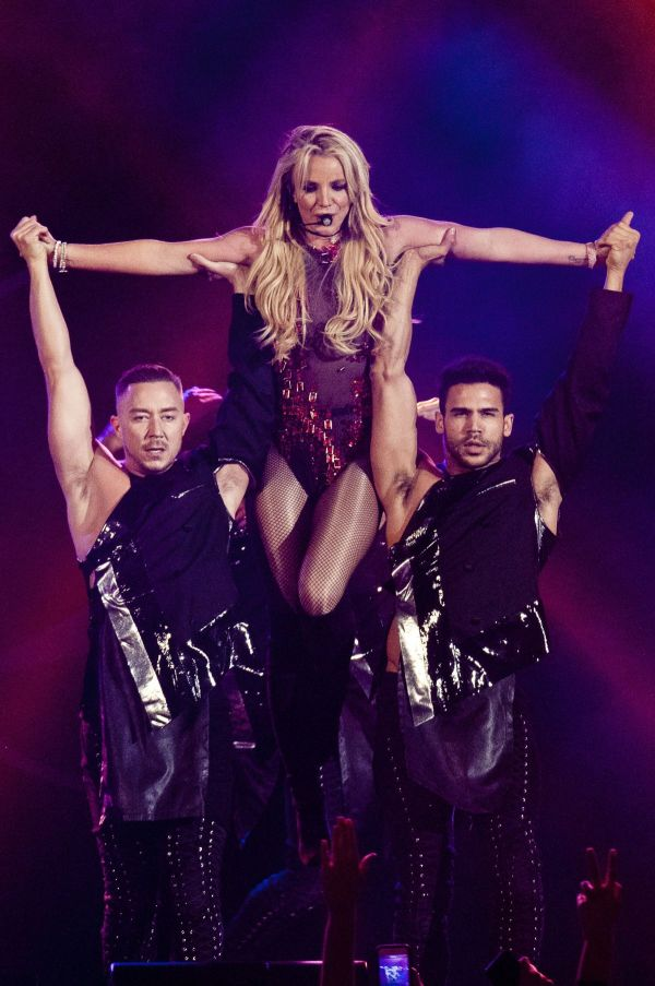 Britney Spears Performs B96 Pepsi Jingle Bash Allstate Arena In Rosemont 12 10 2016