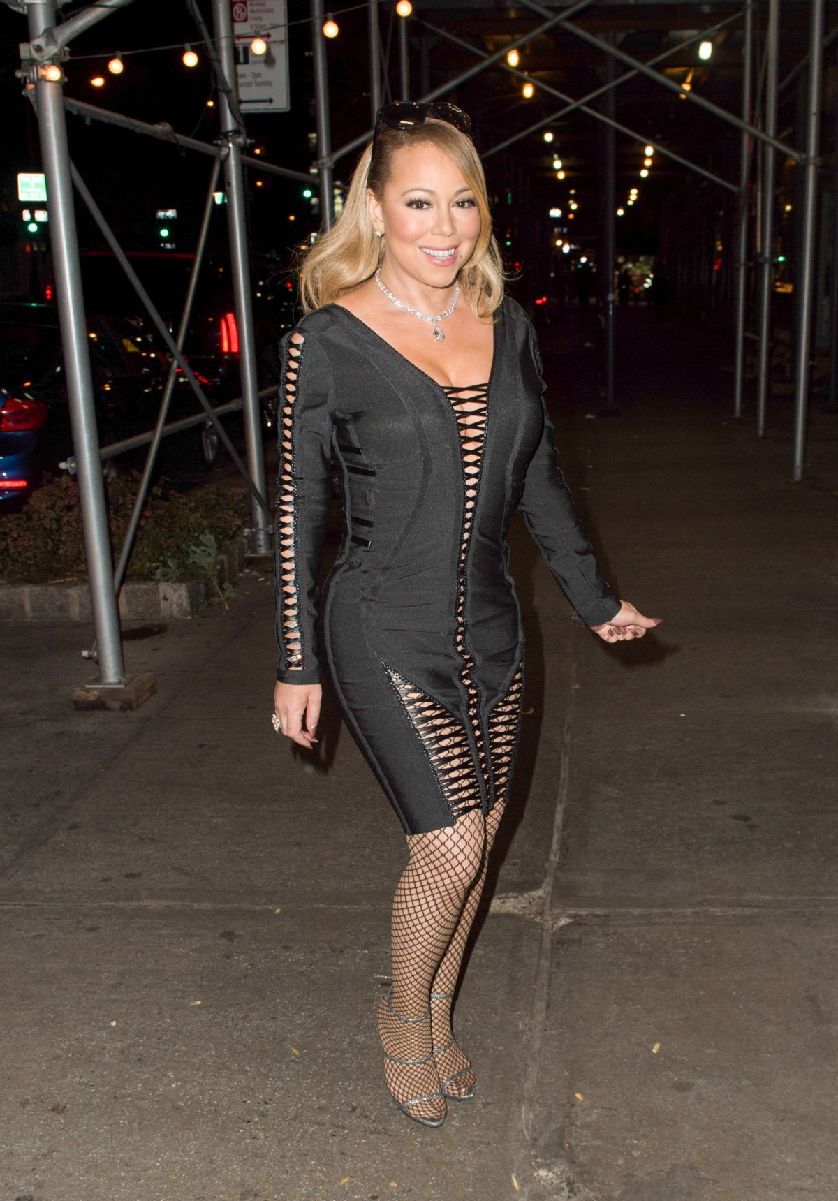 MARIAH CAREY Out in New York 12062016  HawtCelebs
