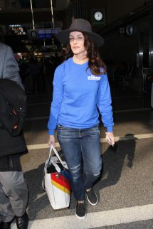 Kristin Davis Lax Airport In Los Angeles 01 31 2017