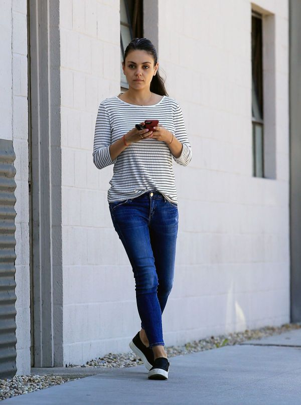 Mila Kunis In Jeans And Makeup Free Beverly Hills 03 24 2017 - Hawtcelebs