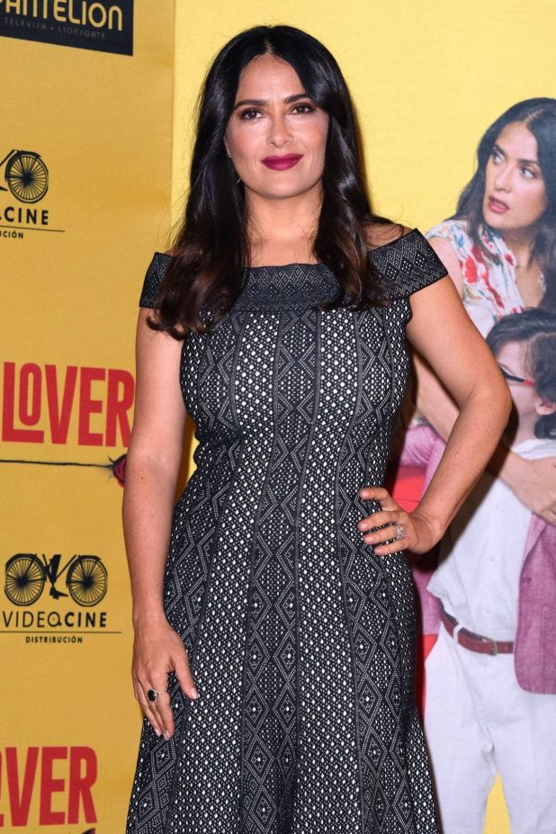 How to be a latin lover cinema latino how to salma hayek at how to be a latin lover press conference in mexico ccuart Image collections
