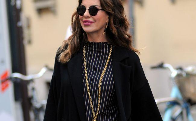 Alba Parietti Shoping At A Jewelery Boutique In Milan 09