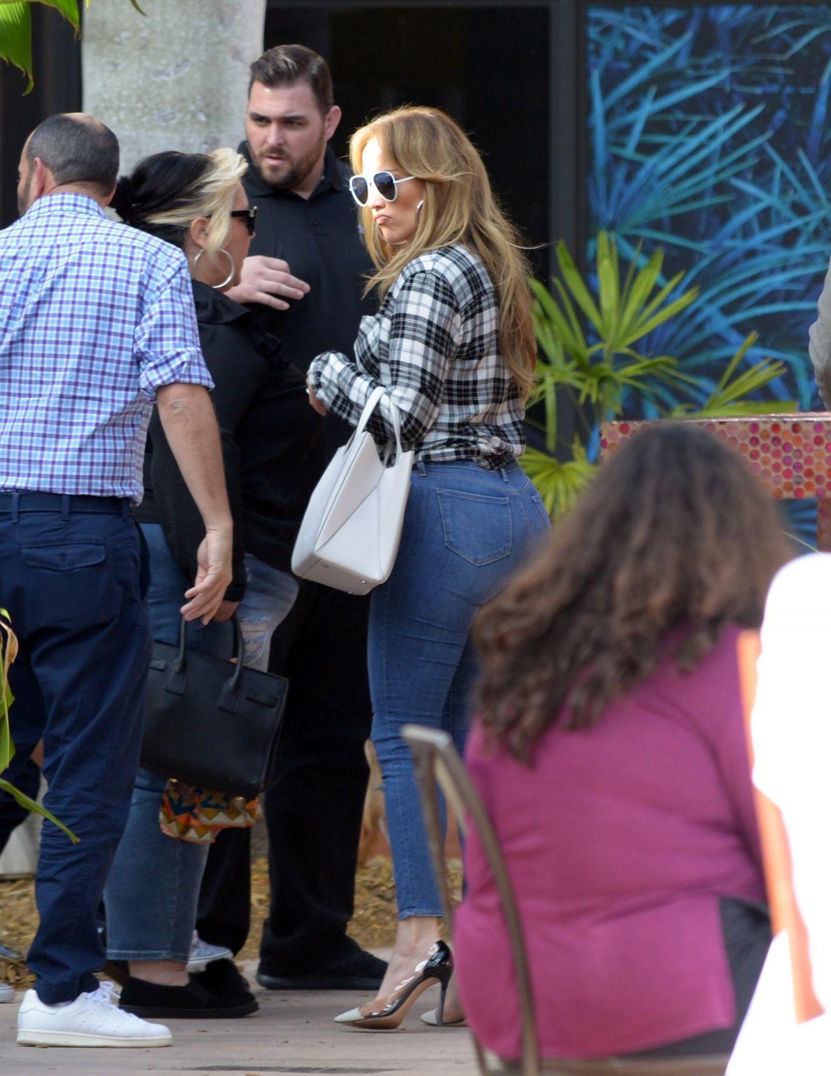 709ce10b395 Cool Daytime Black Skinny A Jennifer Lopez Off Shoulder I Like That ...