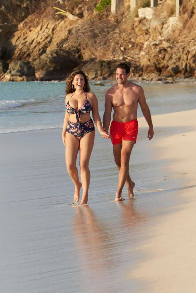 Kelly Brook In Bikini And Jeremy Parisi At A Beach In Antigua