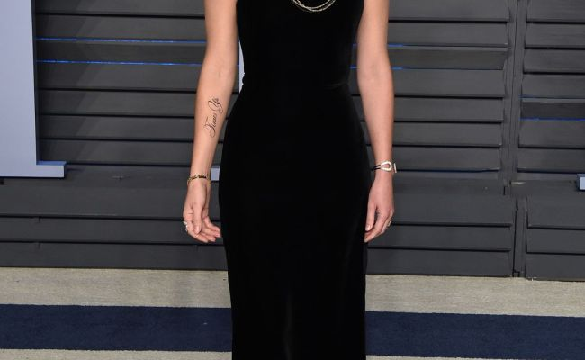 Emma Watson At 2018 Vanity Fair Oscar Party In Beverly