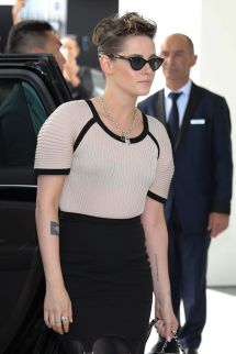 Kristen Stewart Arrives Martinez Hotel In Cannes 05 07