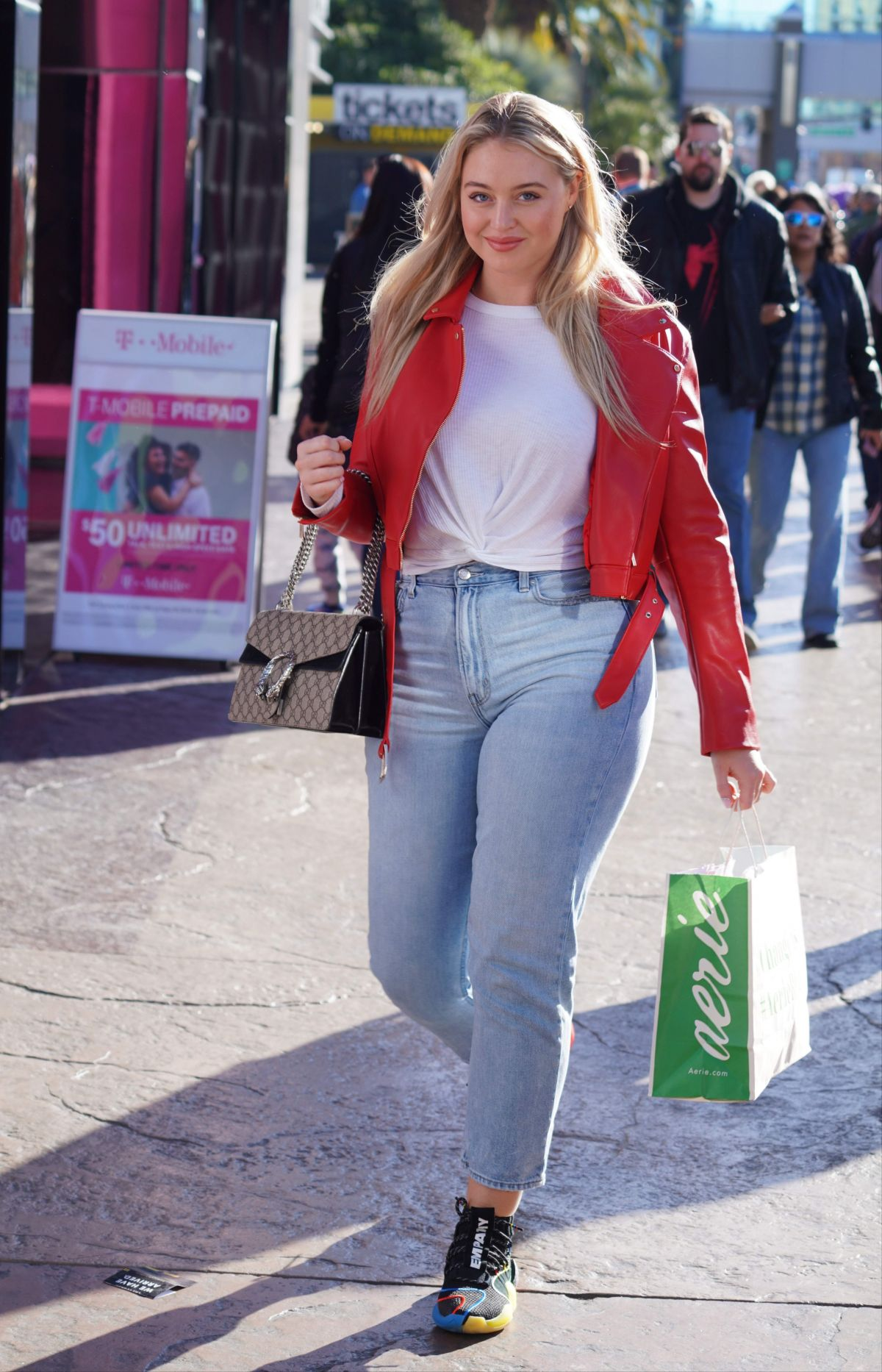 ISKRA LAWRENCE at American Eagle Fashion Launch in Las Vegas 12/29/2018 – HawtCelebs