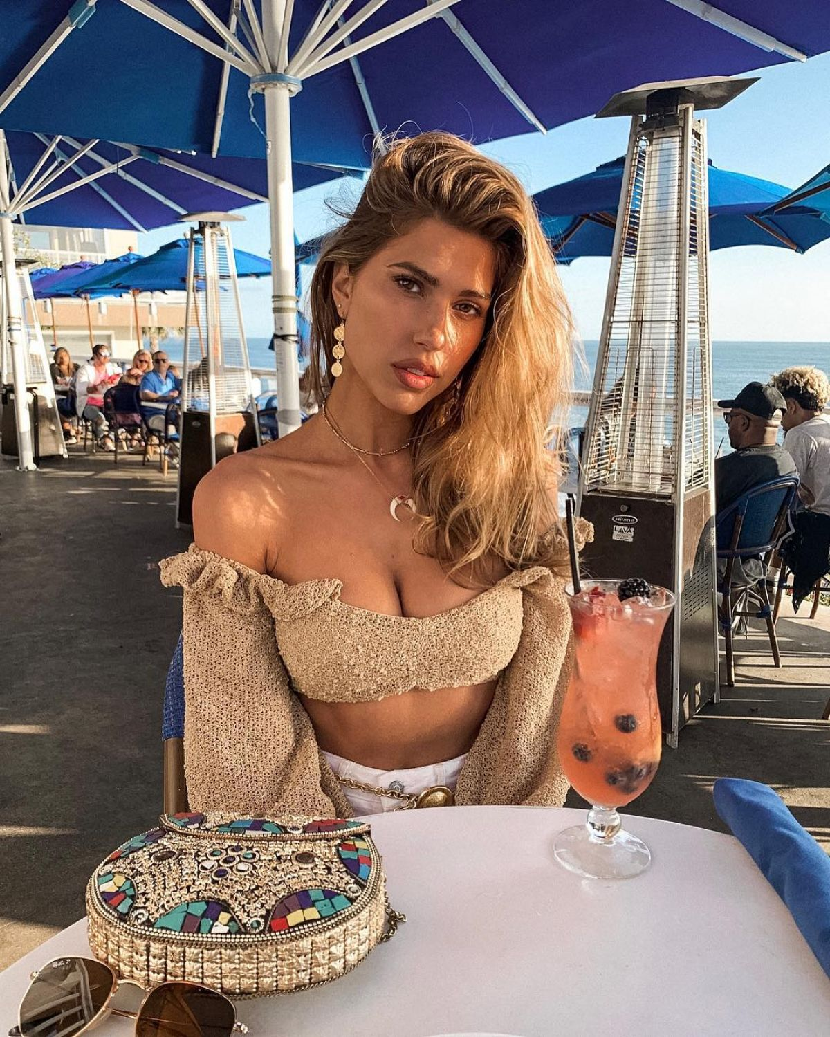 Kara Del Toro Instagram Pictures And Videos April 2019