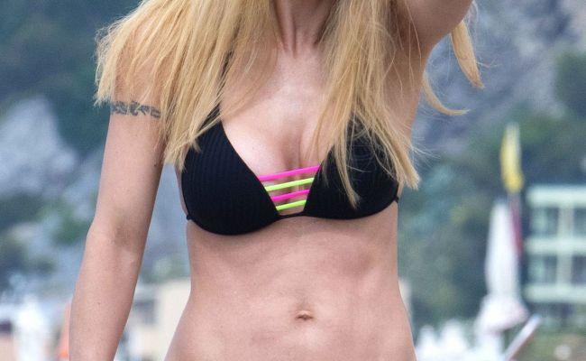 Michelle Hunziker In Bikini On Vacation In Varigotti 06 09