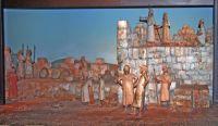 לוחמים יהודים מקשיבים לנאום רבשקה. פרט מתצוגה במוזיאון מגדל דוד. צילום: תמר הירדני, מתוך ויקיפדיה (ראו קישור בתחתית הכתבה)