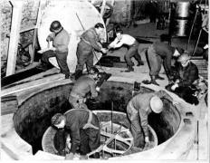 כור גרעיני נסיוני בהייגרלוך, גרמניה, אפריל 1945. מתוך ויקיפדיה - ספרית הקונגרס בוושינגטון