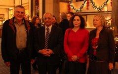 """משמאל לימין: פרופסור שכטמן, השגריר בני דגן, עירית דגן וציפי שכטמן בלובי של מלון """"גרנד"""". צילום: דוברות הטכניון"""