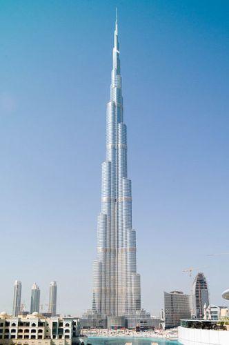 בורג' ח'ליפה בדובאי - הבניין הגבוה בעולם מאז 2009. מתוך ויקיפדיה