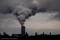 """זיהום אוויר מתחנת כוח פחמית בארה""""ב. התחנה מייצרת 2,900 מגוואט ופולטת 14.5 מיליון טון דו תחמוצת הפחמן בשנה צילום: גרינפיס"""
