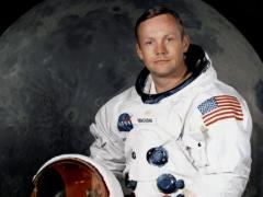 """התצלום הרשמי של ניל ארמסטרונג לקראת טיסת אפולו 11 צילום: נאס""""א"""