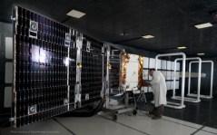 לווין OG2 בהכנה לקראת השיגור. צילום: אורבקום.