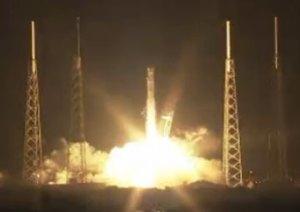 """שיגור החללית דראגון 2, ב-8 באוקטובר 2012 מכף קנוורל. צילום: נאס""""א"""
