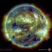 הדמיה של השמש מ-12 באפריל 2013, צילום: SDO/AIA