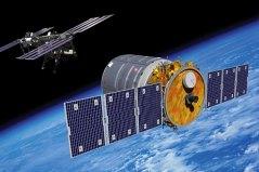 החללית סיגנוס מתקרבת אל תחנת החלל הבינלאומית (איור Orbital Express Photo