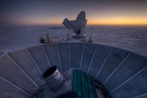 גלאי BICEP2 בקוטב הדרומי. צילום: מרכז הארווארד סמיתסוניאן לאסטרופיסיקה