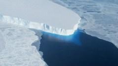 """קרחון טווייטס (Thwaites) באנטארקטיקה. צילום: נאס""""א"""