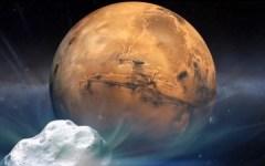 """מעבר השביט סליידינג ספרינג על יד מאדים (לא בפרופורציות הנכונות). איור: נאס""""א"""