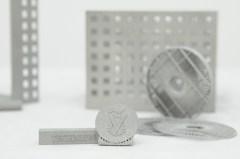 מוצרים שהודפסו במדפסת התלת ממדית במכון המתכות בטכניון. צילום: שרון צור, דוברות הטכניון