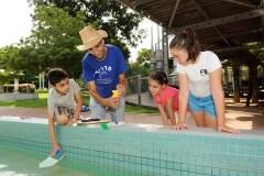 פעילות בנושא מים בגן המדע. צילום: מכון דוידסון