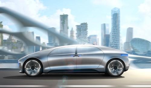 מכונית הקונספט מרצדס-בנץ מתכוונת לבחון יכולות של נהיגה אוטונומית במכונית המחקר היוקרתית שלה F 015 Luxury in Motion. צילום: מרצדס בנץ