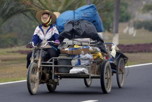התחבורה המודרנית מביאה איתה קדמה, אך גם הפצה מהירה יותר של מגיפות. צילום: Judhi Prasetyo, Flickr