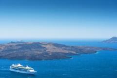 שרידי הר הגעש באי סנטוריני. צילום: shutterstock