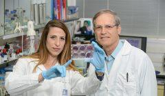 פרופ' מנחם רובינשטיין ותלמידת המחקר אפרת דבש. צילום: מכון ויצמן
