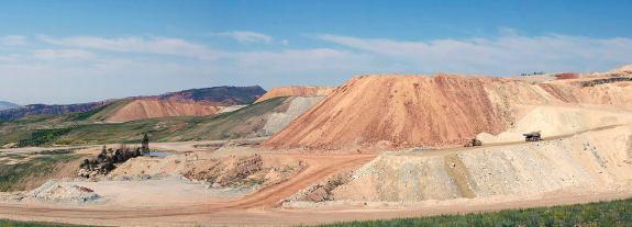 מכרה פוספט במדינת יוטה, ארצות הברית. מקור: Jason Parker-Burlingham.