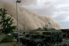 סופת חול בעיראק, 2005. צילום: Corporal Alicia M. Garcia, U.S. Marine Corps.