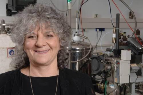 כלת פרס נובל לכימיה לשנת 2009, פרופ' עדה יונת. מקור: מגזין מכון ויצמן.