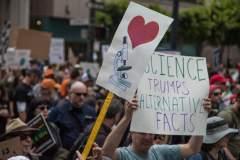 """""""מצעד המדע"""" בסן פרנסיסקו, ב-22 באפריל 2017. צילום: Matthew Roth."""