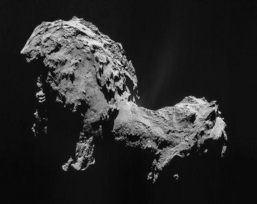 השביט 67P. צולם על ידי הגשושית רוזטה ב-22 באוגוסט 2014. מקור: ESA/Rosetta/NAVCAM.