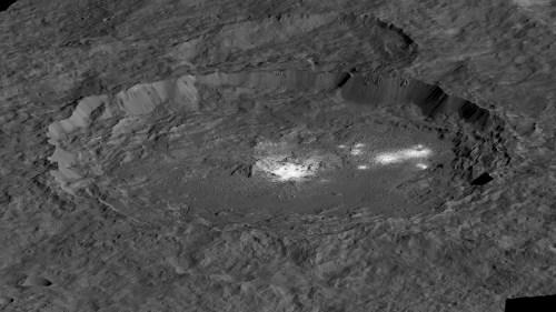 מכתש אוקאטור. מקור: NASA.