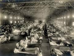 בית חולים לשעת חרום שהוקם בקנזס במהלך התפרצות השפעת הספרדית. צילום: מוזיאון הבריאות הלאומי. מתוך ויקיפדיה