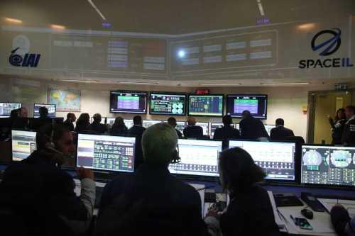 """מרכז הבקרה של החללית בראשית. צילום יח""""צ SpaceIL והתעשייה האווירית"""
