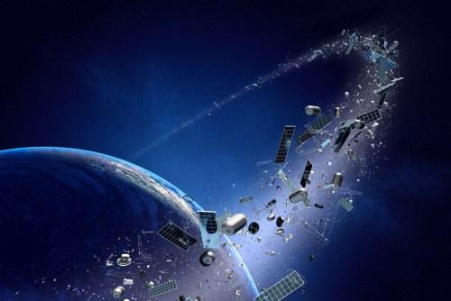 פסולת חלל מלווינים שהתנגשו. איור: Johan Swanepoel/Shutterstock